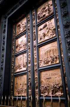 170.une des portes du baptistère, Florence, Italie