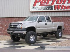 trucks lifted chevy #Liftedtrucks Vintage Chevy Trucks, Antique Trucks, Chevy Classic, Classic Chevy Trucks, Classic Cars, Lifted Chevy Trucks, Dodge Trucks, Pickup Trucks, Tundra Truck
