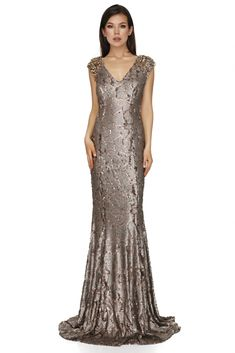 Sparkle and glow in this exquisite long sequin dress from Vero Milano! A unique long sequin dress with a low V-neckline and a glamorous train. This gorgeous evening dress is designed to be fitted, we recommend that you buy to your size. Evening Dresses, Prom Dresses, Formal Dresses, Long Sequin Dress, Luxury Dress, Designer Gowns, Festival Outfits, Dresses Online, Glow