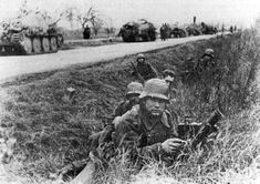 A Hungarian Light Mortar team fighting in 1944