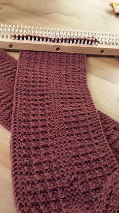 Dudester Scarf For The Knitting Loom Great Pattern One Of # dudester schal für die strickmaschine great pattern one of # # écharpe dudester pour le grand métier à tricoter # bufanda dudester para el telar de punto gran patrón uno de Round Loom Knitting, Loom Scarf, Loom Knitting Stitches, Knifty Knitter, Loom Knitting Projects, Easy Knitting, Knitting Machine, Loom Knitting Blanket, Sock Knitting