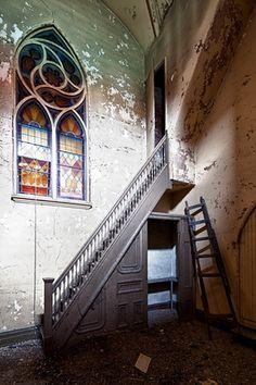 St. Matthew's Church,  Buffalo, NY by Eric Holubow: urban exploration photographer