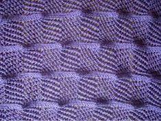 Can anyone translate the chart's key please? Three dimensional KNitting Stitch pattern