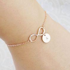 Personalisierte Infinity Armband, anfängliche Armband, Freundschaft Armband, Brautjungfer Geschenke, Armband, Weihnachts-Geschenk für sie,                                                                                                                                                                                 Mehr