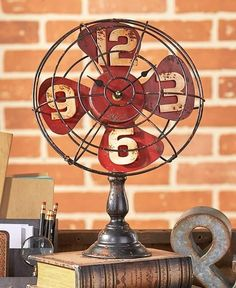 Vintage Table or Mantle Clock Looks Like a Real Fan Metal Battery Operated