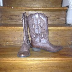 """Cute Cowboy Boots Super cute cowboy boots perfect for summer country concerts or a trip to Austin or Nashville. 1"""" heel Shoes Heeled Boots"""