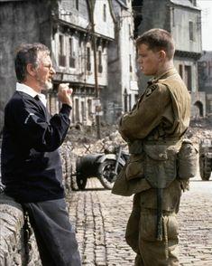 Steven Spielberg and Matt Damon on Saving Private Ryan The film starred Tom Hanks and Matt Damon and took home five Oscars. Matt Damon, Great Films, Good Movies, Super 8, Saving Private Ryan, Tv, Movie Magazine, Steven Spielberg, Iconic Movies