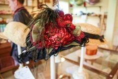 Schicker Damenhut in Rot