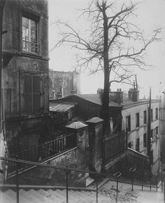 lostinancient:Staircase, Montmartre. Paris, France, ca. 1924. (Eugene Atget)