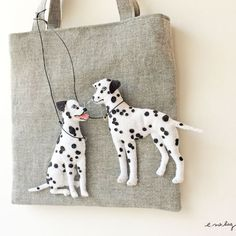 "Dalmatian felt applique and embroidery bag by e.no.bag ""ダルメシアン ノ バッグ"" #Dalmatian #dog #brooch #embroidery #needlework"