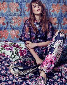 Regitze Christensen by Xavi Gordo for Marie Claire Russia April 2015 Floral Fashion, Look Fashion, Fashion Prints, Fashion Models, Spring Fashion, High Fashion, Womens Fashion, Fashion Design, Marie Claire