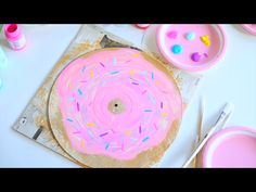 Diy painted vinyl record ~ I'd use a scratched one ~ Alisha Marie Diy tumblr room decor