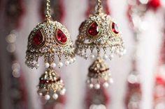 bridal jewelry for the radiant bride Pakistani Jewelry, Bollywood Jewelry, Indian Wedding Jewelry, Bridal Jewelry, Indian Weddings, Bridal Bangles, Gold Jewelry, Bridal Chura, Bridal Gown