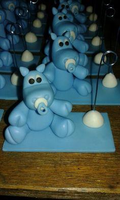 Hipopótamos en porcelana