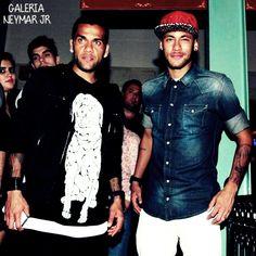 Alves & Njr.....oh lawwwwd Neymar is sooooo good looking