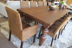 Mesa de jantar rústica com 10 lugares