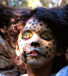 Theatrical makeup class by IBOni, via Flickr