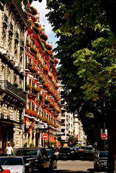 Avenue Montaigne, 8ème arrondissement