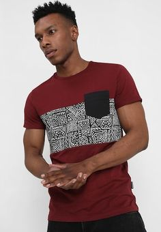 T-shirt print - bordeaux @ Zalando. Print T Shirts, Tee Shirts, African Print Shirt, African Shirts For Men, Diy Vetement, Designer Suits For Men, Short African Dresses, African Men Fashion, Mens Tees