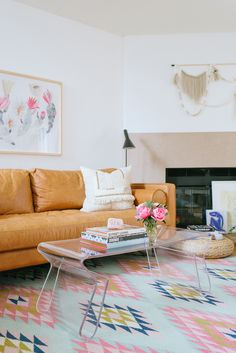 Decor Inspiration Ideas - Living Room - Online interior design services and curated shopping Home Living Room, Living Room Decor, Living Spaces, Bedroom Decor, Master Bedroom, Deco Pastel, Room Decor For Teen Girls, Ikea, Contemporary Home Furniture