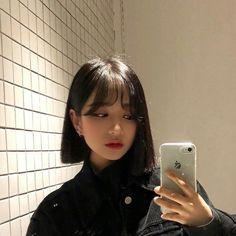 girl short hair on Ulzzang Short Hair, Asian Short Hair, Short Hair With Bangs, Girl Short Hair, Hairstyles With Bangs, Short Hair Cuts, Girl Hairstyles, Asian Haircut Short, Hair Inspo