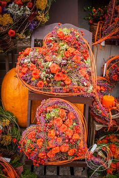 1 million+ Stunning Free Images to Use Anywhere Cemetery Decorations, Halloween Decorations, Fall Flowers, Dried Flowers, Funeral Flowers, Fall Diy, Decoration Table, Fall Wreaths, Ikebana