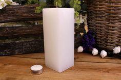 Κεριά μασίφ τετράγωνα σε χρώμα λευκό ΤΧ0720ΧΛΕ. Πλευρά: 7εκ. Ύψος: 20εκ. Pillar Candles, Taper Candles