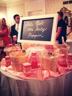 Even at a formal reception, we see people using baskets for their #Popcorn Bar! #PopcornDude