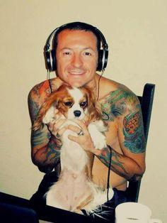 Awww.... Chester Bennington Linkin Park