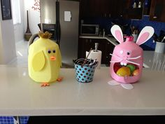 Recycled milk jugs for Easter project with kids. Chick and bunny! Bunny Crafts, Easter Crafts For Kids, Craft Activities For Kids, Craft Ideas, Fun Ideas, Spring Projects, Easter Projects, Milk Carton Crafts, Chicken Crafts