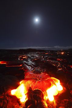 Moon and Kilauea Volcano, BIg Island, Hawaii. Oh moon and Volcano. Tsunami, Volcan Eruption, Dame Nature, Lava Flow, Big Island Hawaii, Natural Phenomena, Science And Nature, Amazing Nature, Nature Photos