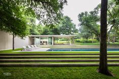 Bodron/Fruit | philip johnson ID gallery | 1 Modern Pool House, Modern Pools, Outdoor Steps, Outdoor Landscaping, Modern Exterior, Exterior Design, Philip Johnson, Lanscape Design, Contemporary Landscape