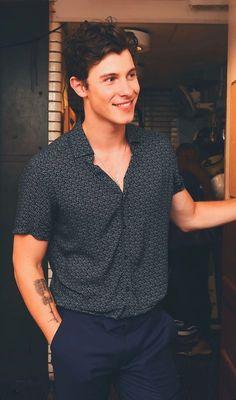 25 Trendy Ideas for funny love husband shawn mendes Shawn Mendes Wallpaper, Shane Mendes, Shawn Mendes Smiling, Shawn Mendes Cute, Fangirl, Mendes Army, To My Future Husband, Cute Guys, Pretty Boys