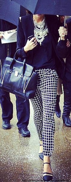 Street style // black and white style // checkered pants