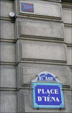 Le Space Invader de la place d'Iéna (Paris 16ème)