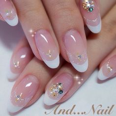 かわいいネイルを見つけたよ♪ #nailbook. nice but i would do a square shape.