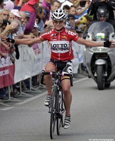 Giro Rosa '14 St.6: Emma Pooley (Lotto Belisol Ladies), one of many top British women cyclist, has announced he retirement, you can read about it here in 'NEWSWIRE' on PEZ. In the photo she is winning stage 6 of this years Giro Rosa to San Fiori. Pic:CorVos/PezCyclingNews.