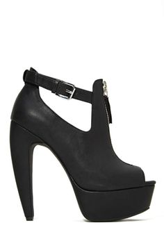 Shoe Cult Spike Out Heel | Shop Shoes at Nasty Gal