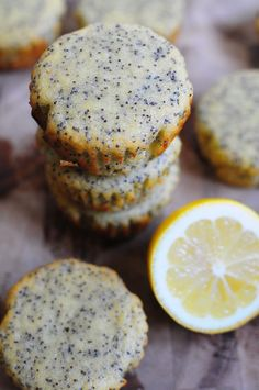 Paleo Lemon Poppy Seed Muffins #healthy #snack #recipe