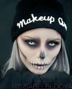 Halloween Skull Makeup, Pumpkin Halloween Costume, Amazing Halloween Makeup, Pretty Halloween, Halloween Eyes, Halloween Night, White Contacts Halloween, Vintage Halloween, Halloween Make Up Scary