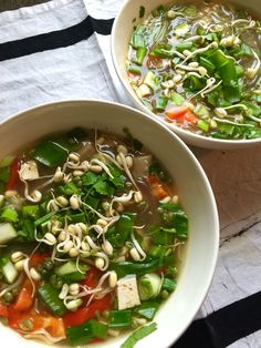 Soup Recipes, Recipies, Pho, Tofu, Ramen, Chili, Soups, Chicken, Meat