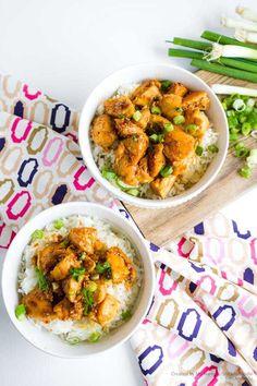 EASY TERIYAKI CHICKEN BOWLS - A delicious teriyaki chicken bowl recipe the whole family will love! Ready in 20 minutes!