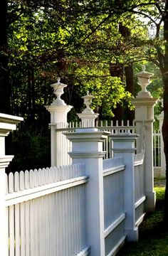 Love the details of this Gothic picket fence