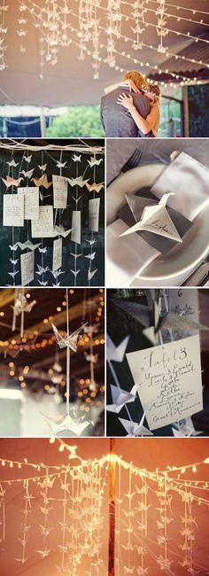 """1000 grullas para tu boda """"Según cuenta la leyenda, las grullas de papel son símbolo de buena salud, paz y felicidad y, si haces 1000 grullas de papel y pides un deseo, tu deseo se hará realidad. ¿Qué mejor y más bonita manera de sorprender a tus invitados con la decoración de tu  boda? #ideasdeboda #ideasparatuboda #bodafy"""