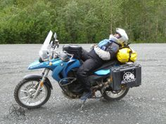 Napping on MotoQuest´s Alaska All Ladies Motorcycle Adventure. Click here to know more: https://www.motoquest.com/guided-motorcycle-tour.php?alaska-all-ladies-tour-15