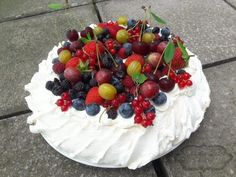 Pavlova, Acai Bowl, Breakfast, Cake, Food, Acai Berry Bowl, Morning Coffee, Kuchen, Essen