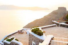 Santorini   es el lugar donde se puedes ver los atardeceres mas bellos del mundo. #santorini #oia #mykonos  #kamari #perissa #playaroja