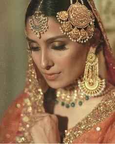Bridal Mehndi Dresses, Desi Wedding Dresses, Pakistani Formal Dresses, Indian Wedding Outfits, Wedding Attire, Wedding Bride, Wedding Stuff, Wedding Ideas, Bridal Makeup Looks