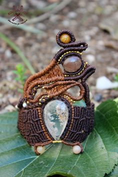 Macrame braccialetto madre di Monte, pezzo unico fatto a mano utilizzando pietre naturali, tra cui quarzo rutilato quarzo e clasti