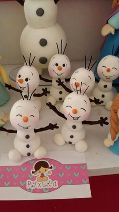 1 million+ Stunning Free Images to Use Anywhere Clay Christmas Decorations, Christmas Topper, Snowman Christmas Ornaments, Polymer Clay Christmas, Snowman Crafts, Christmas Crafts, Christmas Themed Cake, Christmas Truck, Kids Christmas